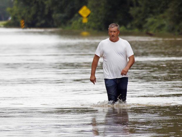 louisiana-flooding-ap16226795538128.jpg