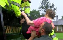 Deadly Louisiana flooding makes thousands homeless