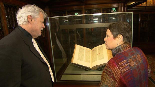 paper-mark-kurlansky-martha-teichner-with-gutenberg-bible-620.jpg