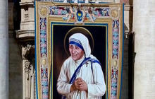 """Mother Teresa to become a saint after """"miracles"""""""