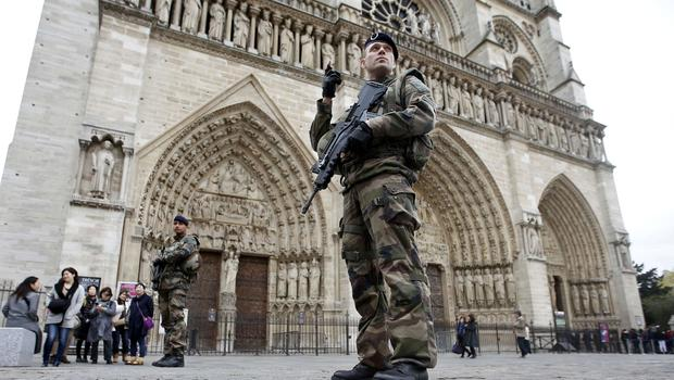 car with gas canisters near notre dame in paris france police say 2