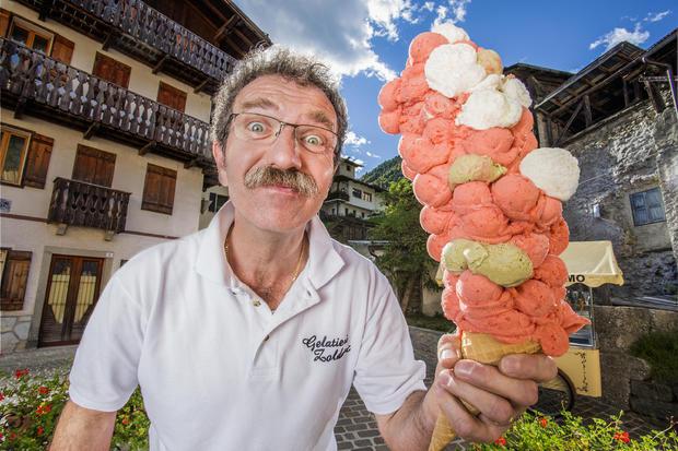 dimitri-panciera-most-ice-cream-scoops-balanced-on-a-cone-355.jpg