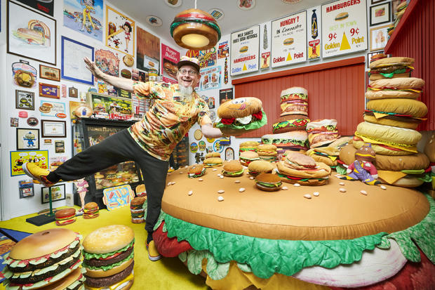 harry-sperl-largest-collection-of-hamburger-related-items-0292.jpg