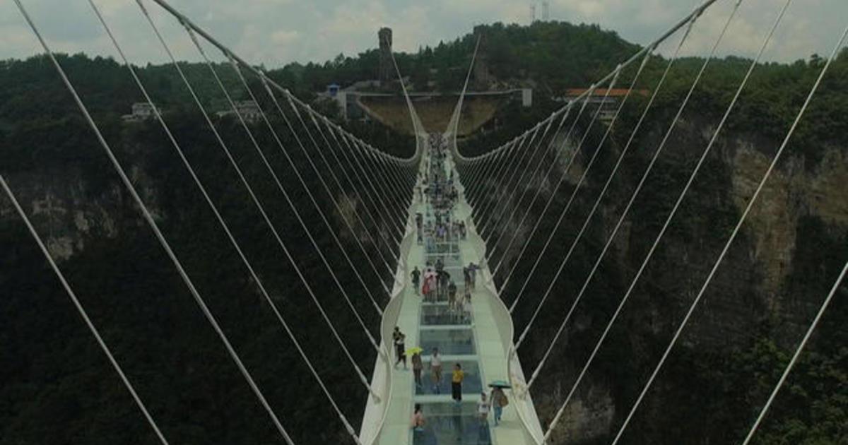 China Reopens World S Highest Longest Glass Bridge