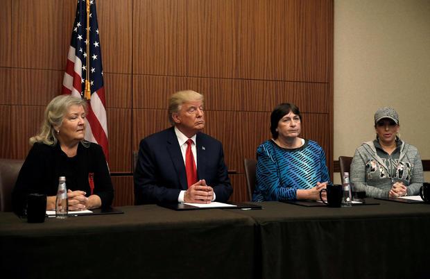 2016-10-10t002823z-1855786043-s1beugbnrraa-rtrmadp-3-usa-election-trump-women-1.jpg