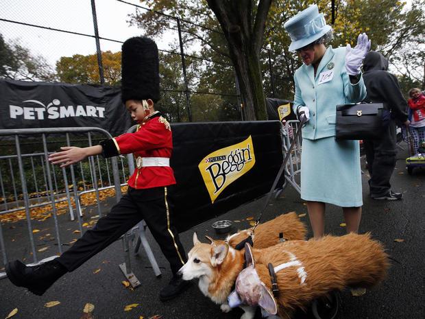halloween-dog-parade-nyc-ap-449688889102.jpg