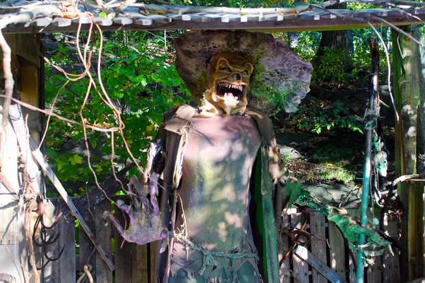Spooky scarecrows come to life at New York Botanical Garden