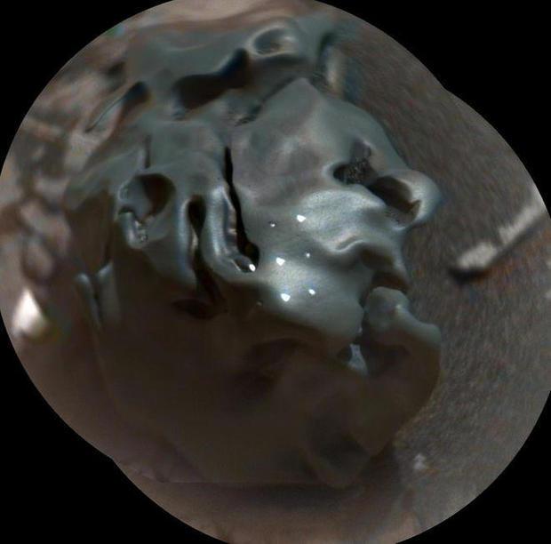 curiosity-mars-iron-nickel-meteorite.jpg