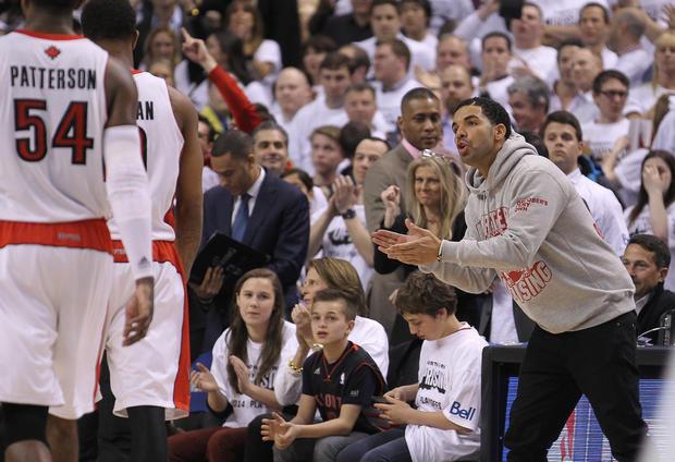 7d17302e52e6 Toronto Raptors  Drake - Celebrity fans of every NBA team - Pictures - CBS  News