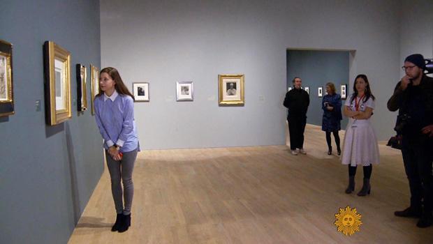 visitors-at-tate-modern-sir-elton-john-collection-620.jpg
