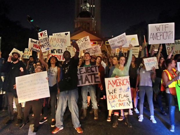 trump-protest-reuters-1475092637.jpg
