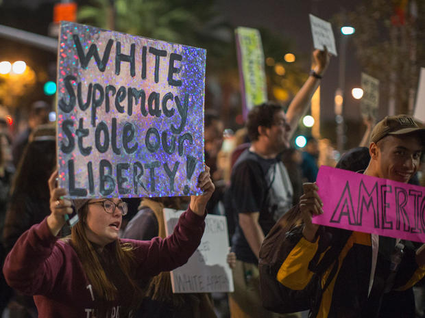 trump-protest-getty-623793950.jpg