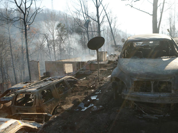 Homes decimated by Tennessee wildfire