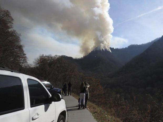 tennessee-wildfire-1380834882-tm3ecbt0s2i01-rtrmadp.jpg