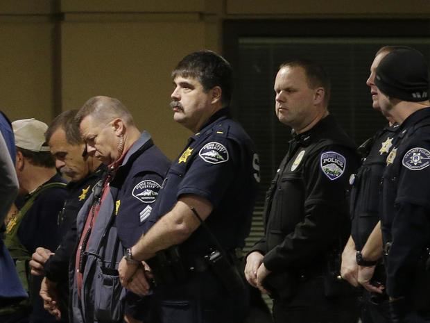 tacoma-officer-shot-ap-16336201607480.jpg