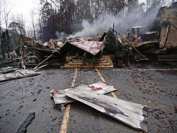 tennessee-wildfire-ap-163360078749581.jpg
