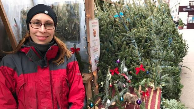 christmas tree prices are higher in 2016 cbs news - How Much Do Real Christmas Trees Cost