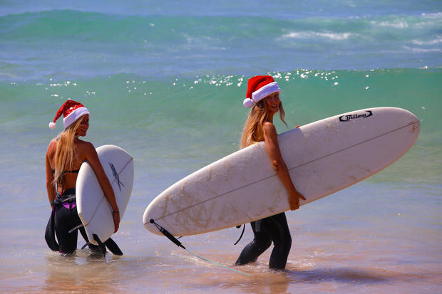 australia christmas day around the world pictures cbs news