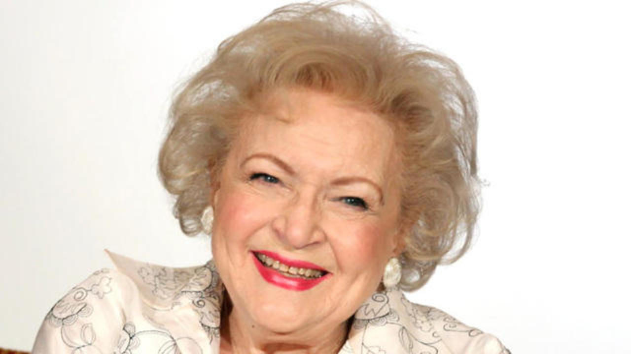 """Alex Black Y Betty Porn gofundme campaign to """"help protect betty white from 2016"""""""