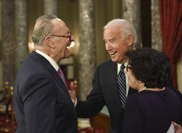 Biden brings laughs at final Senate swearing-in