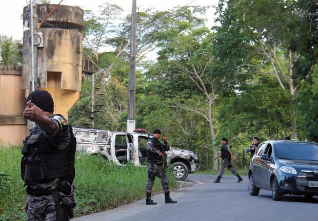 brazil-prison-riot-630800010.jpg