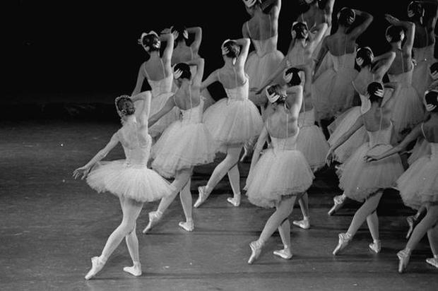 Dance photographer Martha Swope 1928-2017
