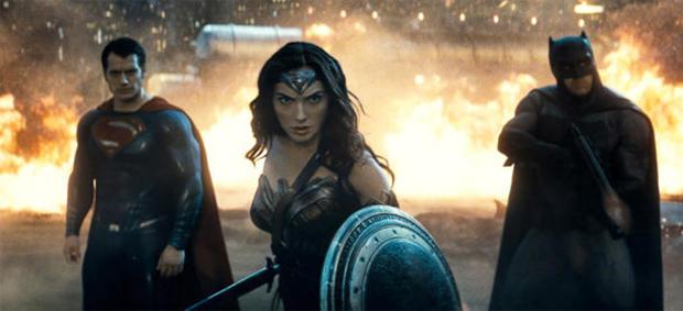 wonder-woman-gal-gadot-batman-vs-superman-02.jpg