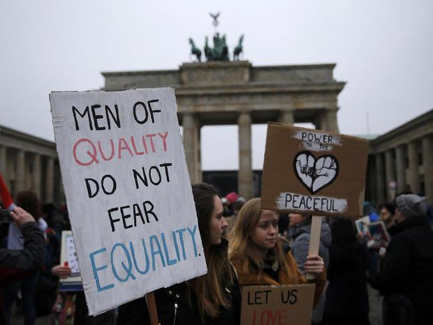 womens-march-berlin-lr1ed1l0t39i6-rtrmadp.jpg