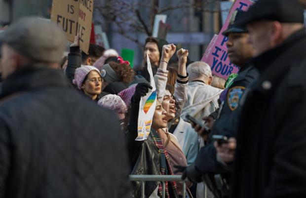 womens-march-new-york-getty-632309510.jpg