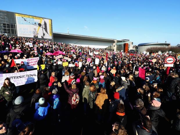 womens-march-amsterdam-getty-632289628.jpg