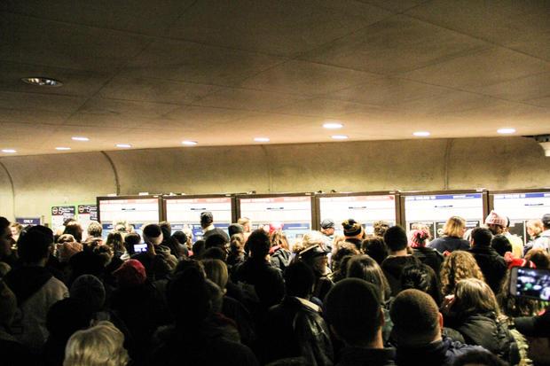 womens-march-graham-kates-glenmont-station-crowding-b.jpg