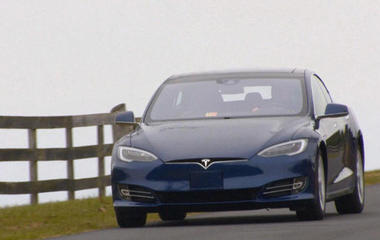 Tesla electric car falls short of top safety rating