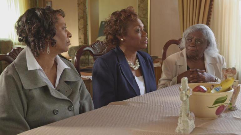 Rosoevelt Glenn's sisters and mother