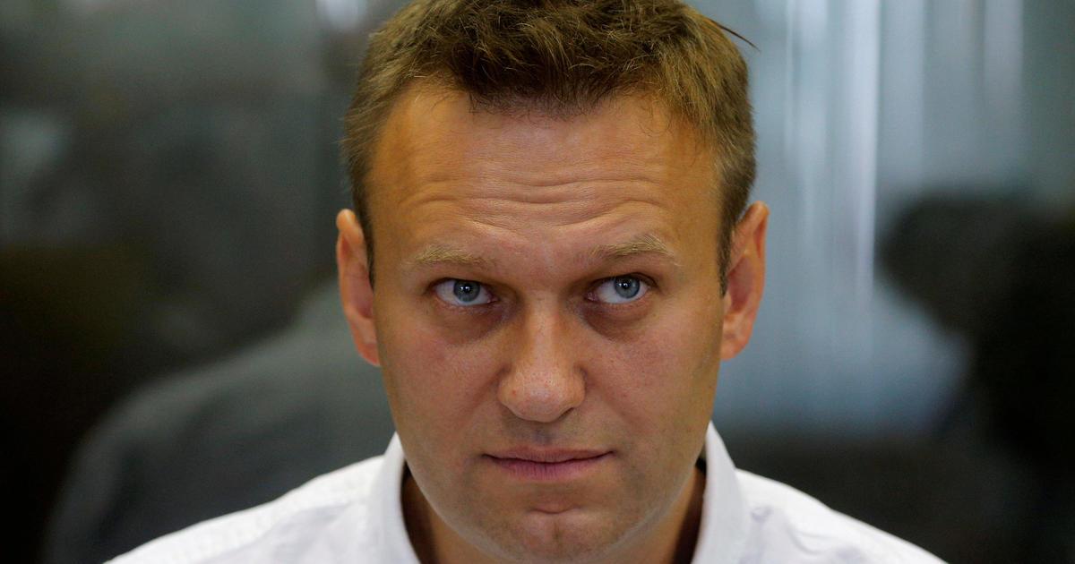 Russia opposition leader Alexei Navalny, Vladimir Putin ...