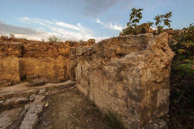3-ugarit-city-ruins.jpg