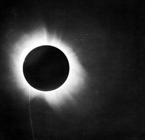 8-total-solar-eclipse-1919.jpg