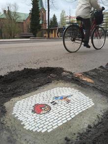 jim-bachor-pothole-art-birds-equals-244.jpg