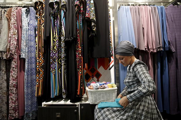 aea654b0a3a Why the apparel industry is embracing Muslim fashion - CBS News