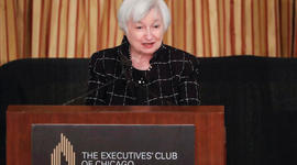 Interest rates seen rising soon, and other MoneyWatch headlines