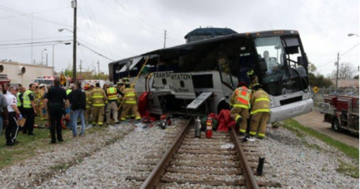 There were 16 accidents at Miss  train crossing over 4