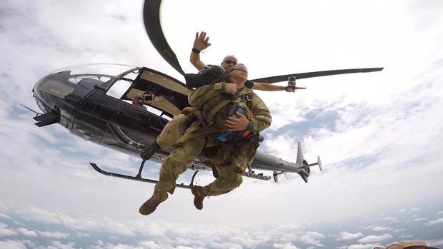 d2-patta-skydiving-dogs-carter-redman-pkg-transfer3.jpg