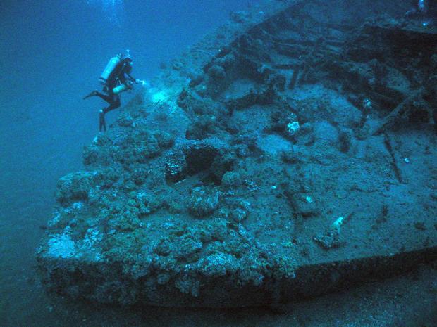 wwii-shipwreck-diveronmonitor.jpg