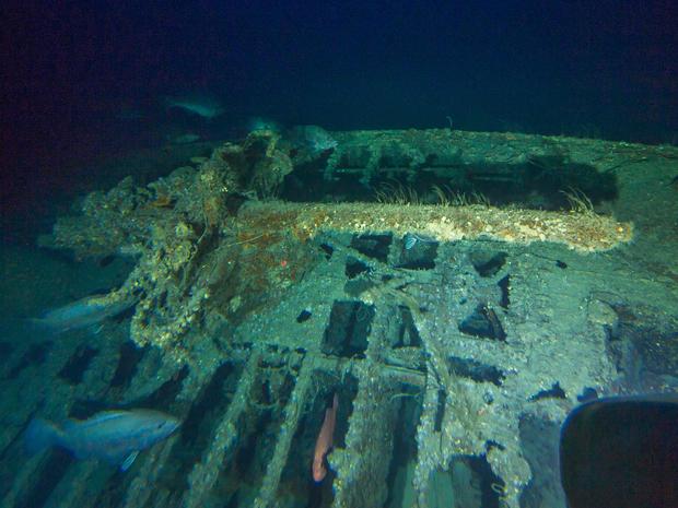 wwii-shipwreck-u576-deck-gun.jpg