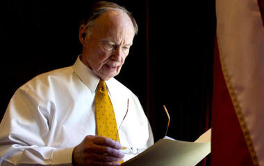 Alabama governor resigns ahead of impeachment hearings