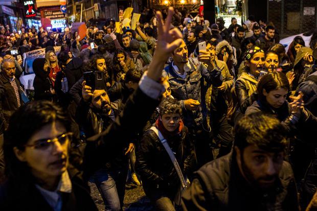 turkey-referendum-protest-669503120.jpg