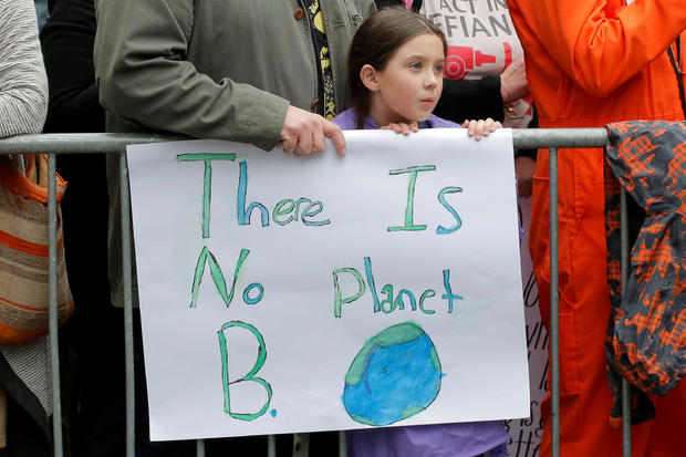 2017-04-22t150148z-303687459-rc169c775250-rtrmadp-3-earth-day-usa-march.jpg