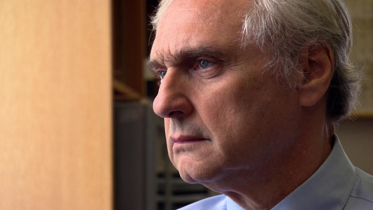 alex kozinski essays Essay: the two faces of anonymity alex kozinski the urban dictionary defines conscience as [t]he little voice in the back of your head that tells you somebody is watching.