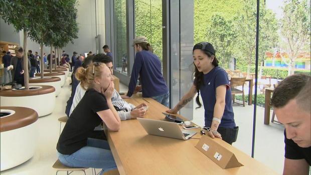 ctm-0425-apple-genius-grove.jpg