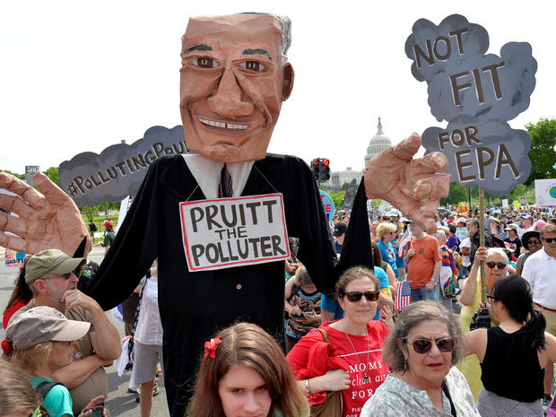 peoples-climate-march-2017-04-29t185413z-248315580-rc1240af9bb0-rtrmadp-3-usa-trump-protest.jpg