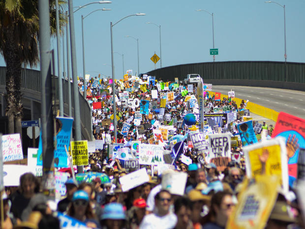 peoples-climate-march-2017-04-29t231331z-857967393-rc11a1ca9470-rtrmadp-3-usa-trump-protest.jpg